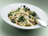 PENNE WITH TENDERSTEM® BROCCOLI, BACON AND CRÈME FRAICHE